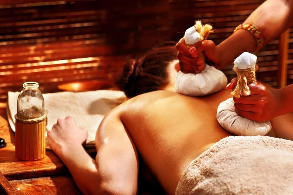 Qué es un masaje ayurveda